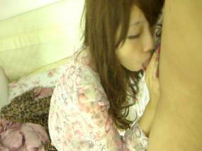 無・素人台湾★超セクシーな台湾美女が電話しながらハメ撮りフェラ