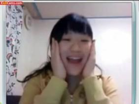 台湾ライブチャット流出★ロリ顔美少女に似合わない巨乳