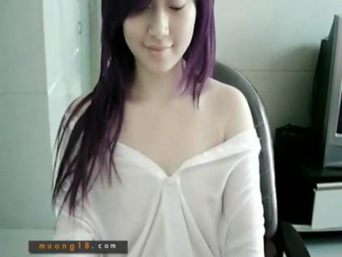 無・モロ出しライブチャット★ベトナムの可愛い子のアソコ披露w