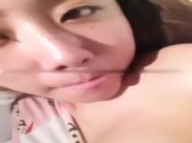台湾S級美少女がスマホ自画撮りでおっぱい公開中www