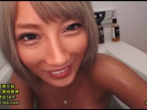 銀髪のとんでもなく可愛いSSSギャルが優しくフェラ