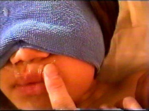 【閲覧注意】JC個人撮影!お漏らししながら泣き頼むヤバイ映像