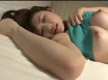 【水嶋あずみ】睡眠ファック!寝ている隙に巨乳を弄んでみた結果www