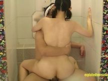 風呂場で立ちセックス!色白美女のセクシーな裸体が瑞々しくてエロイ