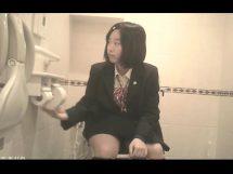 リアルJKのトイレ盗撮映像が鬼畜過ぎて撮影者逮捕www