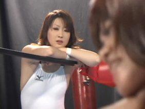 衝撃!女子プロレスラーの乱闘?いやレズ乱交が流出!とんでもなくエロイ